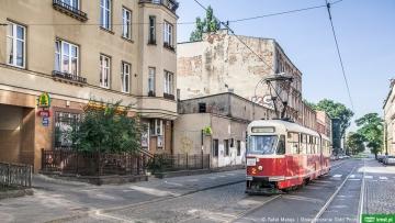 Tradycje filmowe Łodzi z okien tramwaju
